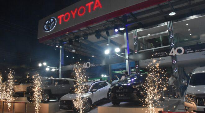 Toyosa inaugura su stand en Expocruz 2021
